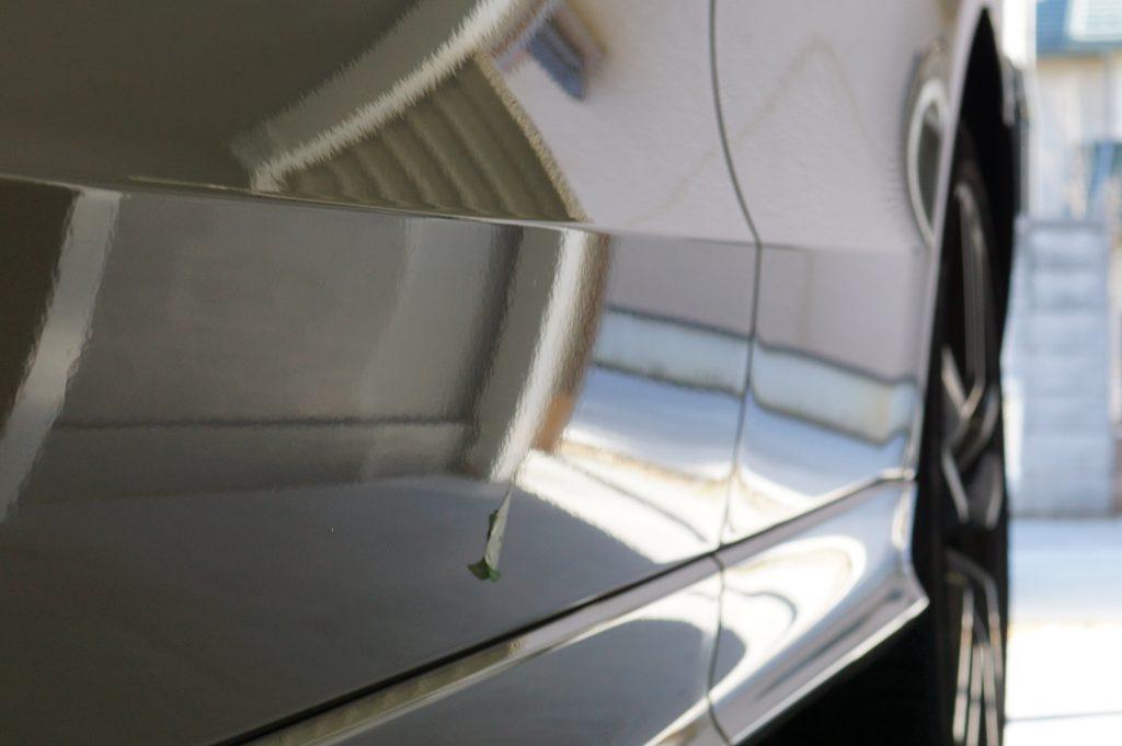 アウディ ドアのヘコミ修理後 景色で確認