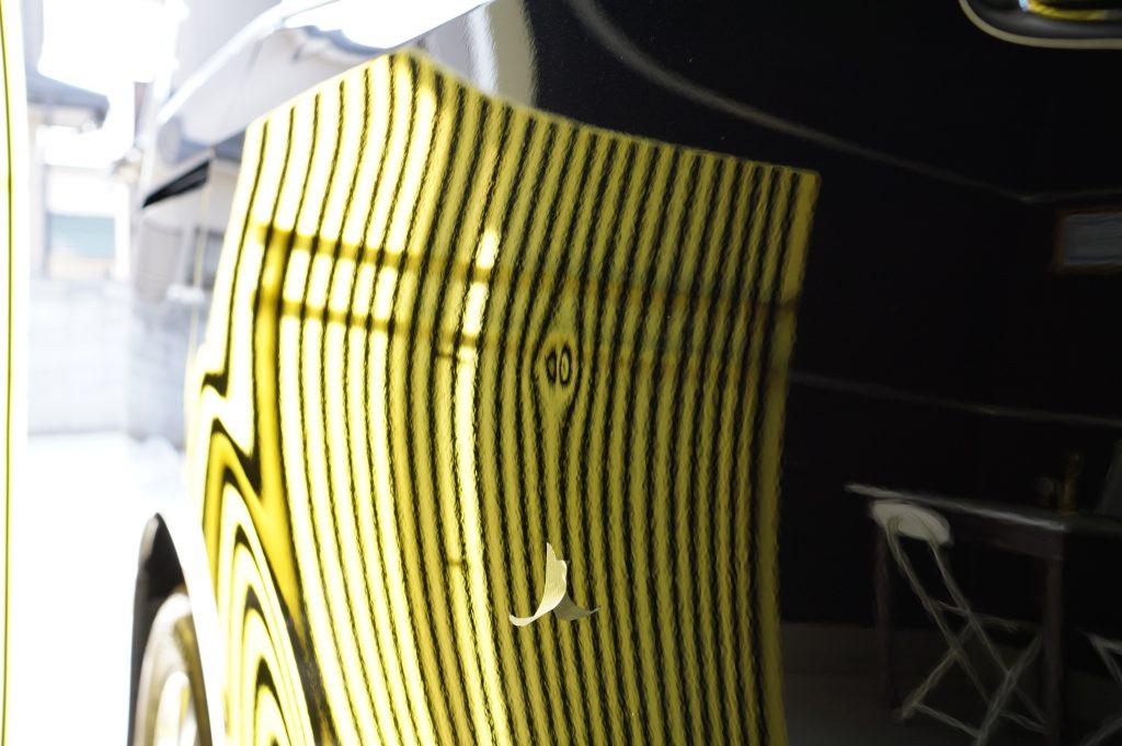 ヴォクシー ヘコミ修理前リフレクターボード
