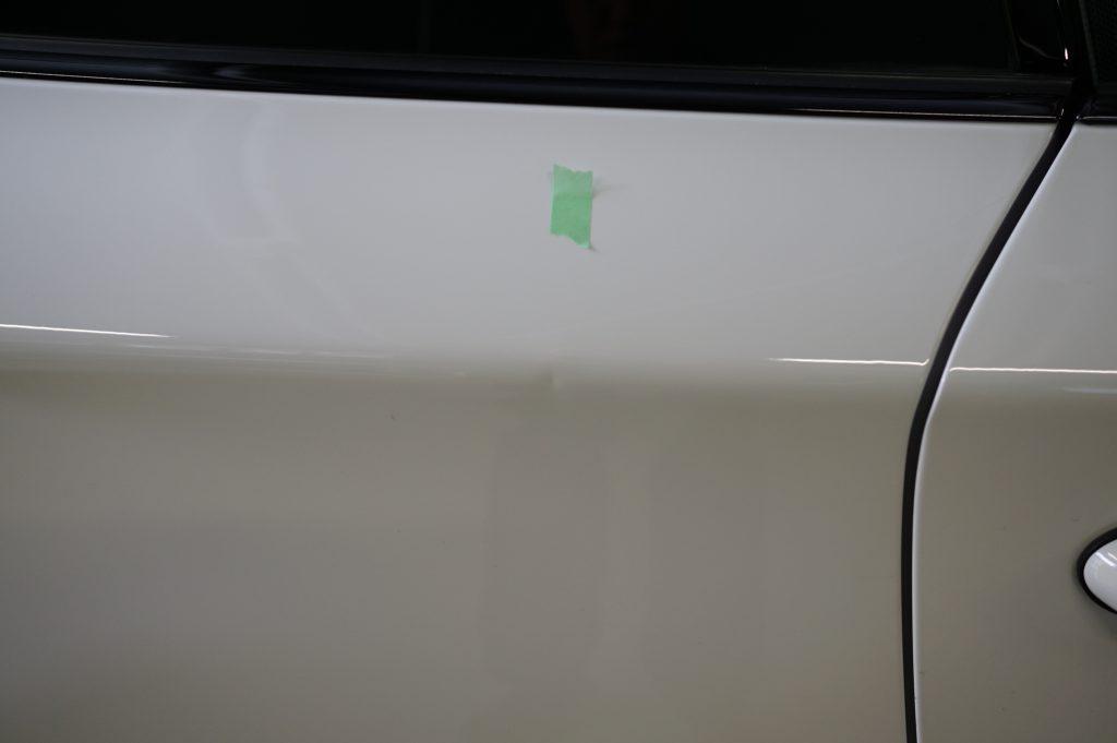 BMW 右リヤフェンダーのヘコミ4