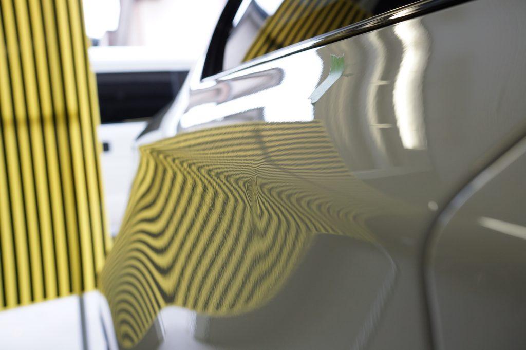 BMW 右リヤフェンダーのヘコミ5