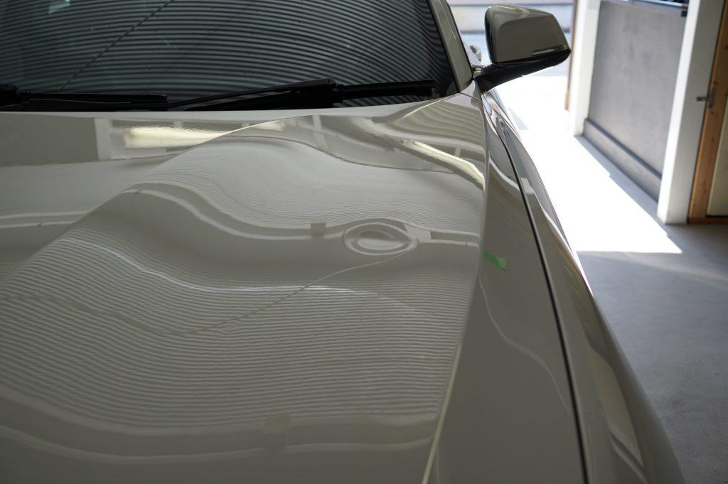 BMW2シリーズ ボンネットのヘコミ3