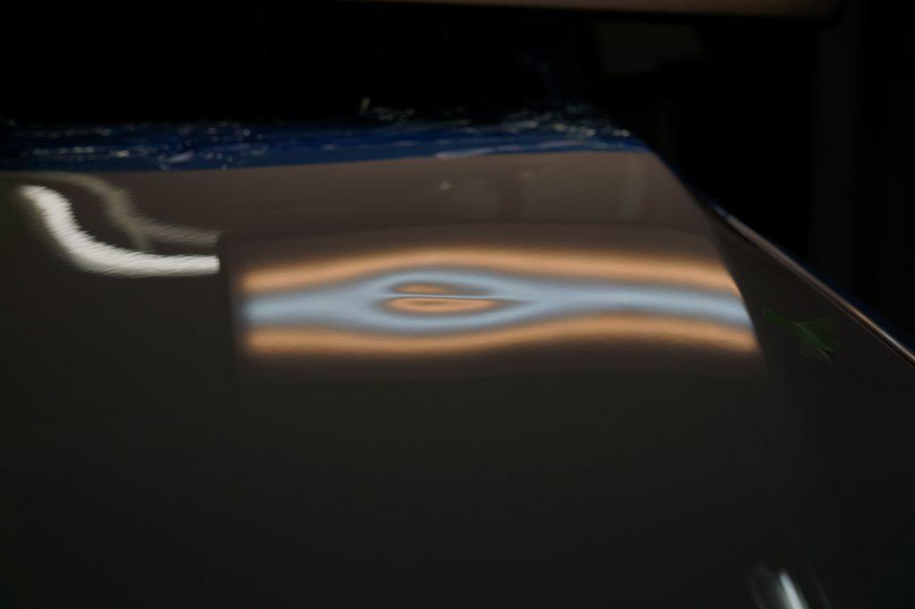 BMW2シリーズ ボンネットのヘコミ5