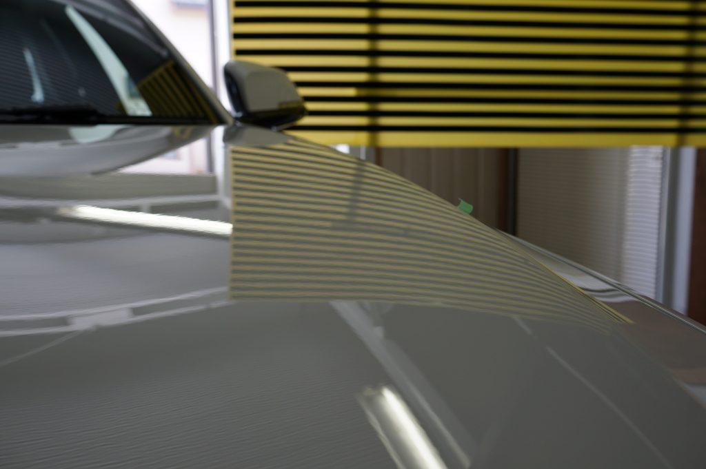 BMW2シリーズ ボンネットのヘコミ修理後4